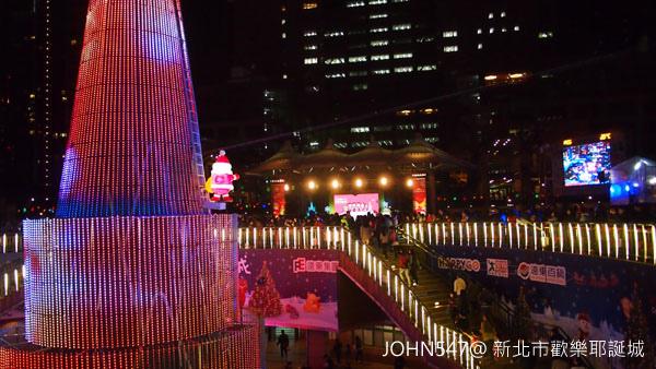 新北市歡樂耶誕城點燈6.jpg