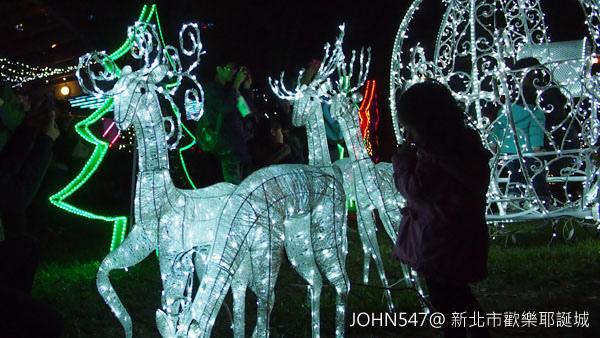 新北市歡樂耶誕城點燈 遊樂設施2.jpg