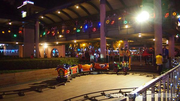新北市歡樂耶誕城點燈 遊樂設施7.jpg