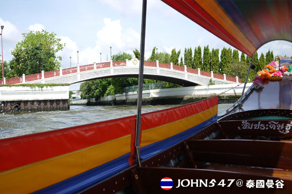 泰國曼谷Khlong Bangkok Yai運河長尾船7.jpg