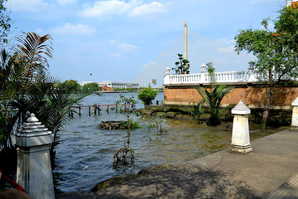 Santichai Prakan Park