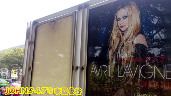 The Avril Lavigne Tour 2014 官方宣傳海報bangkok