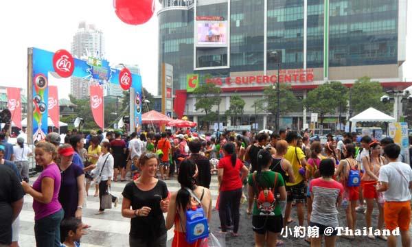 Central World中央世界購物中心 泰國新年潑水節.jpg