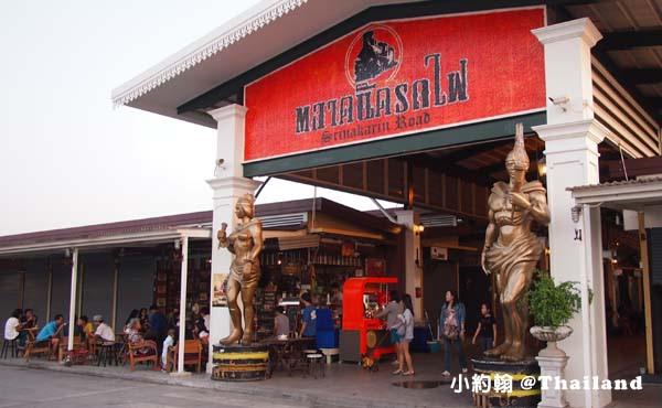 泰國曼谷火車鐵道夜市Train Market Srinakarin1.jpg