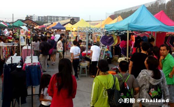 泰國曼谷火車鐵道夜市Train Market Srinakarin6.jpg
