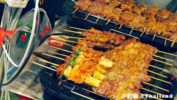 清邁週日夜市美食 烤肉串.jpg
