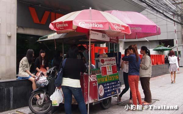 泰國曼谷泰國手標泰式紅茶 街頭搖搖杯現調飲料 .jpg