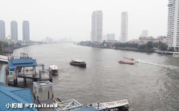 泰國曼谷Chao Phraya River中央(沙吞)碼頭以南.jpg