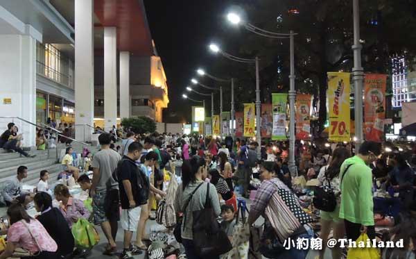 泰國必買必逛Big C Supercenter(Rajdamri)大超市 晚上手作市集1.jpg