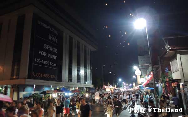 泰國清邁古城東門Tha Phae Gate塔佩門-賓河.jpg
