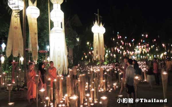泰國清邁佛寺 Wat pan tao 盼道寺 水燈節點燈2