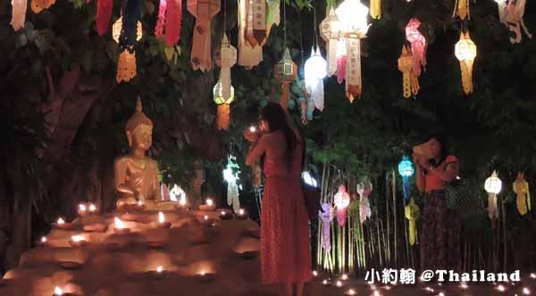 泰國清邁佛寺 Wat pan tao 盼道寺 水燈節點燈3
