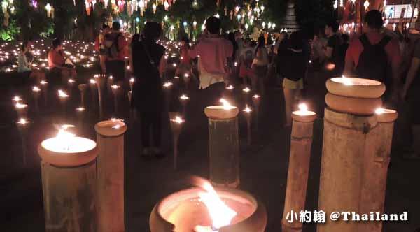 泰國清邁佛寺 Wat pan tao 盼道寺 水燈節點燈1