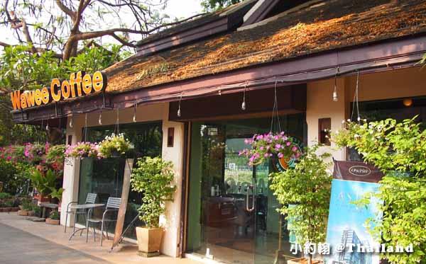 泰國本土星巴客Wawee Coffee@清邁賓河Ping River.jpg