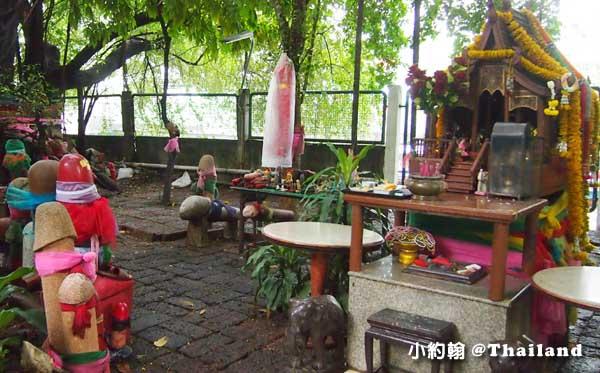 泰國男性生殖器Lingam Shrine求子求財的靈根廟.jpg