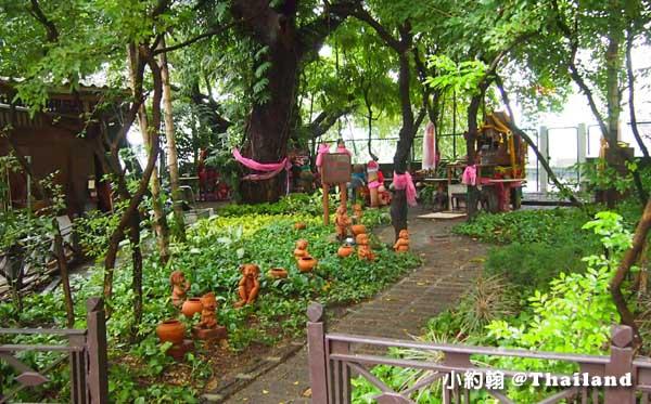 泰國男性生殖器Lingam Shrine求子求財的靈根廟2.jpg
