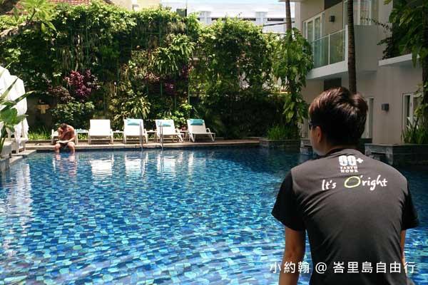 峇里島自由行- 峇里島四星級飯店Grand Ixora Kuta Resort 泳池