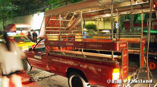 泰國曼谷Saphan Taksin紅色雙條車2.jpg
