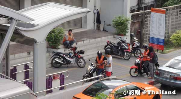 泰國摩托計程車10泰銖起跳,Motorcycle Taxi.jpg