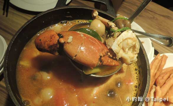 台北Jolly Brewery Restaurant 卓莉手工釀啤酒泰食餐廳-酸辣湯2.jpg