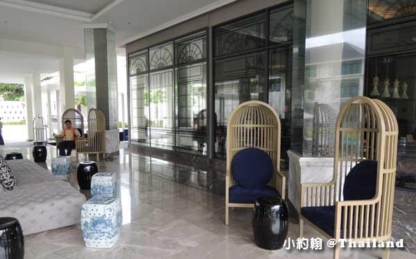 泰國曼谷-U Sathorn Bangkok曼谷沙通U渡假村飯店大廳沙發.jpg
