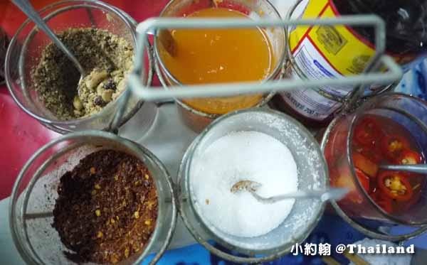 泰國曼谷泰式米粉湯,拉差粿條自製魚丸可口會跳@onnut安努站3.jpg