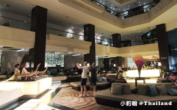 Amari Watergate Bangkok曼谷阿瑪麗水門飯店 大廳泰式樂器表演.jpg
