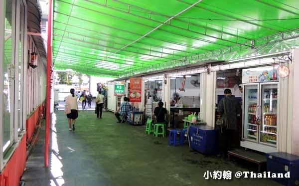 泰國曼谷如何搭小巴到安帕瓦水上市集美功鐵道市場5.jpg