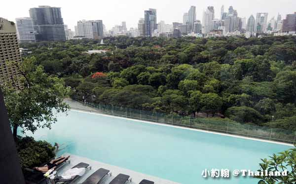 Sofitel So Bangkok Hotel Infinity swimming pool高空美景游泳池1.jpg