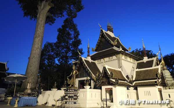 清邁佛寺Wat Chedi Luang柴迪隆寺(聖隆骨寺)晚上3.jpg