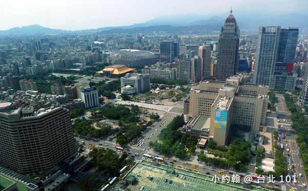 台灣最高星巴克喝咖啡看風景台北101大樓35F5.jpg