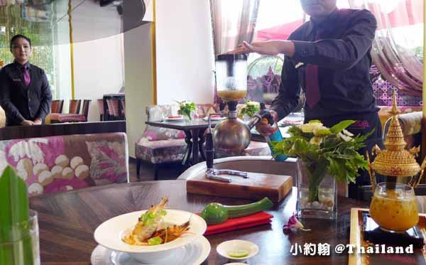 泰國曼谷OSHA Bangkok曼谷歐沙泰式時尚料理餐廳 海鮮酸辣湯.jpg