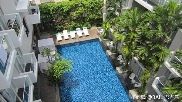 BAIL峇里島飯店推薦Grand Ixora Kuta Resort 泳池.jpg