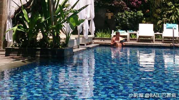 BAIL峇里島飯店推薦Grand Ixora Kuta Resort 泳池2.jpg