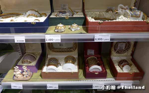 曼谷Eathai超市泰國必買商品大集合Central Embassy Benjarong.jpg