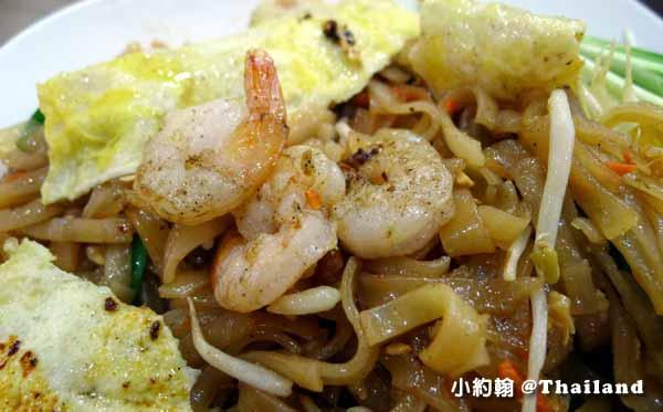 清邁必買必吃Big C Extra Chiang Mai大超市美食街泰式炒麵2.jpg