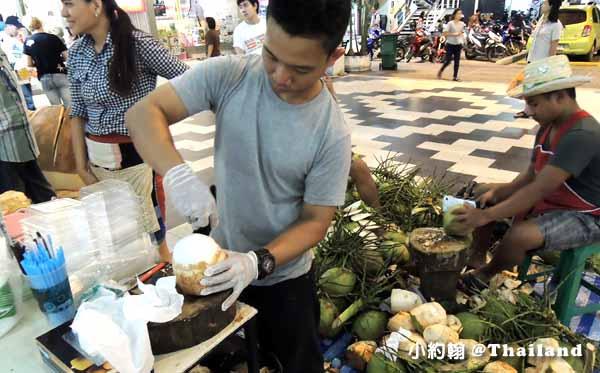 泰國清邁整顆椰子去皮.jpg