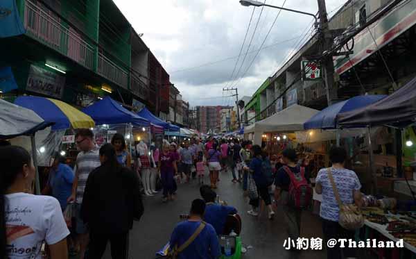 清邁週六夜市Wualai Road Saturday Night Market2.jpg