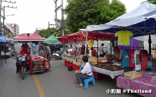 清邁週六夜市Wualai Road Saturday Night Market3.jpg