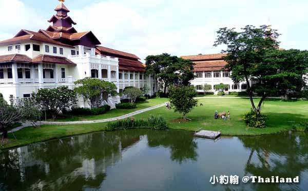 Dhara Dhevi Hotel Chiang Mai頂級奢華渡假村4-1餵牛大草地.jpg