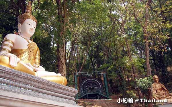 清邁必拜素帖寺Wat Phra That Doi Suthep雙龍寺-佛像.jpg