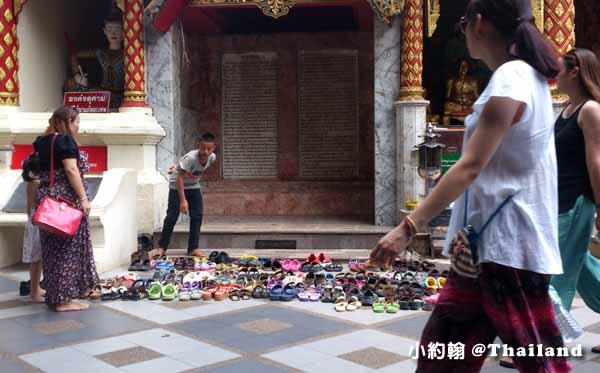清邁素帖寺Wat Phra That Doi Suthep雙龍寺 整鞋童.jpg