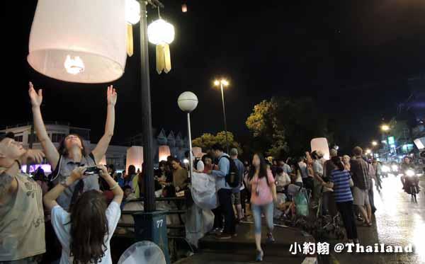 泰國水燈節Loi Krathong花車大遊行,蘭納俊男美女選秀會7.jpg