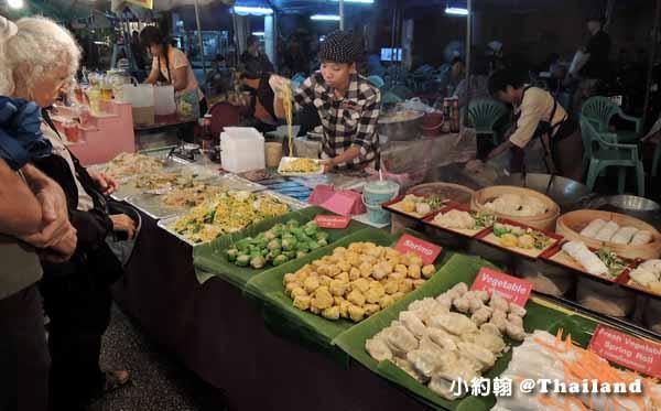泰國水燈節Loi Krathong攻略塔佩門(Tha Phae Gate)小吃