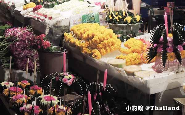 清邁中國城龍眼達叻夜市水燈節Mae Ping River