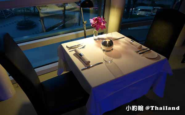 Water Library曼谷法式料理餐廳 table