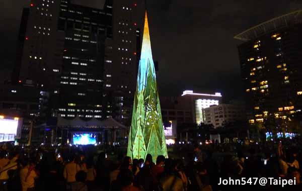2015新北市歡樂耶誕城,免費享受歡樂節慶的親子樂園@新北市府2.jpg