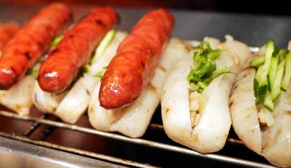 Taiwan Must-Eat,Taiwanese street food-sausage with sticky rice