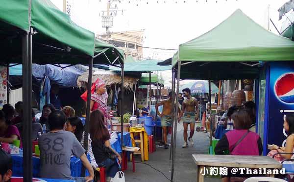 Chatuchak weekend market恰圖恰週未市集2015第三彈猛男服務生.jpg