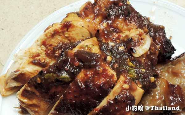 泰國必吃街頭小吃Gai Yang 泰式烤全雞烤雞腿4.jpg